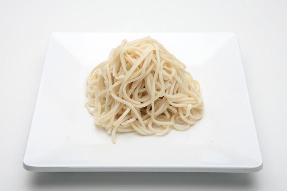 Fijne wok noedels gekookt